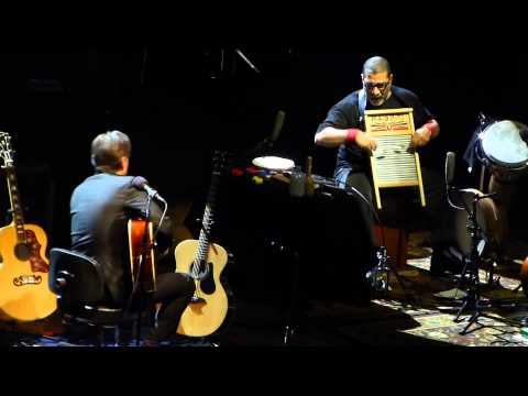 Joe Bonamassa & Lenny Castro - solos - 11/20/14 Palace Theatre - Columbus, OH