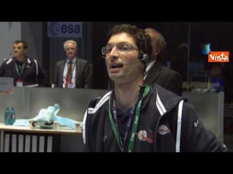 rosetta,-la-sonda-europea-si-posa-sulla-cometa-67p:-abbracci-commossi-all'esa
