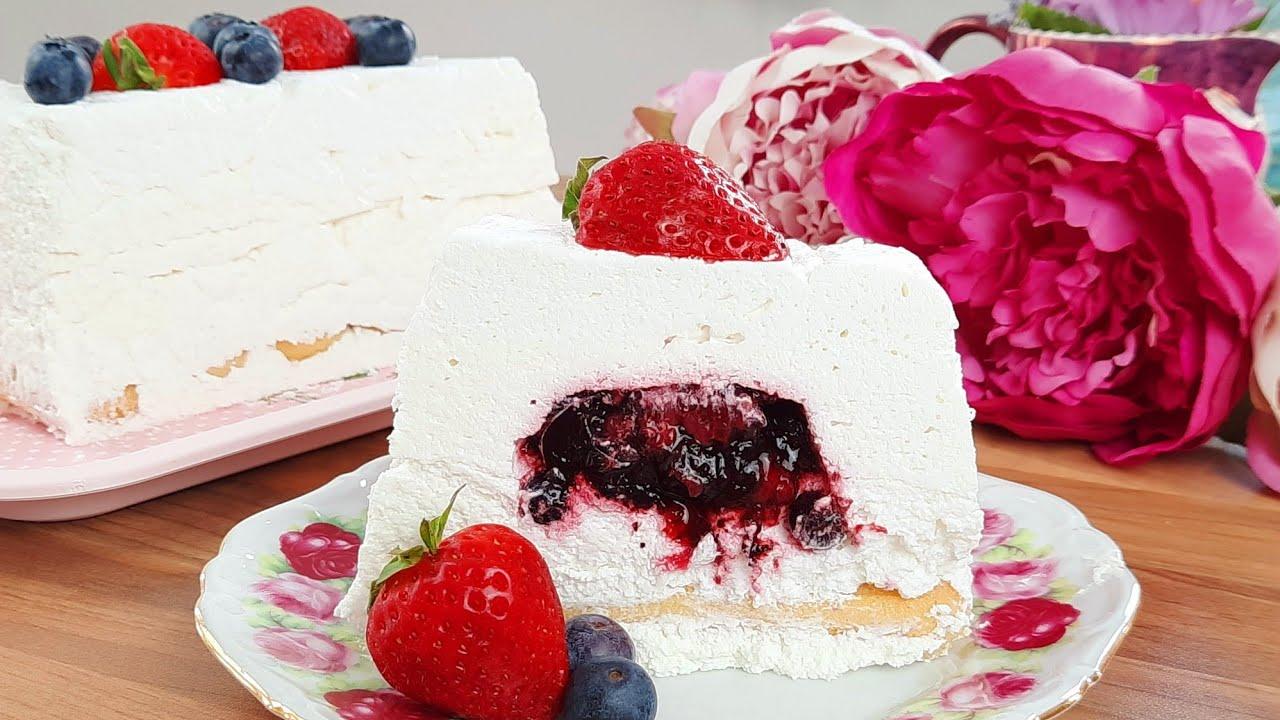 Tarta cu iaurt si fructe de padure