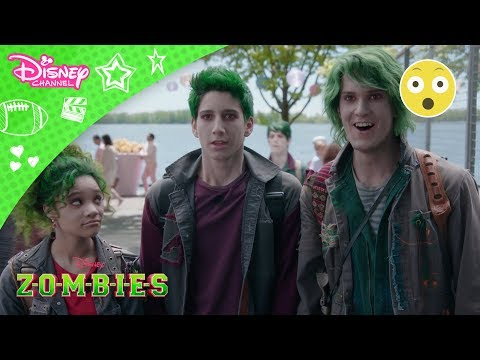 Z-O-M-B-I-E-S  | SMUGKIG!  - Disney Channel Danmark