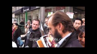 ralph fiennes   signing autographs at the new york film festival in nyc
