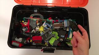 Mister Max Attack - Going Through LEGO Toolbox / Видео