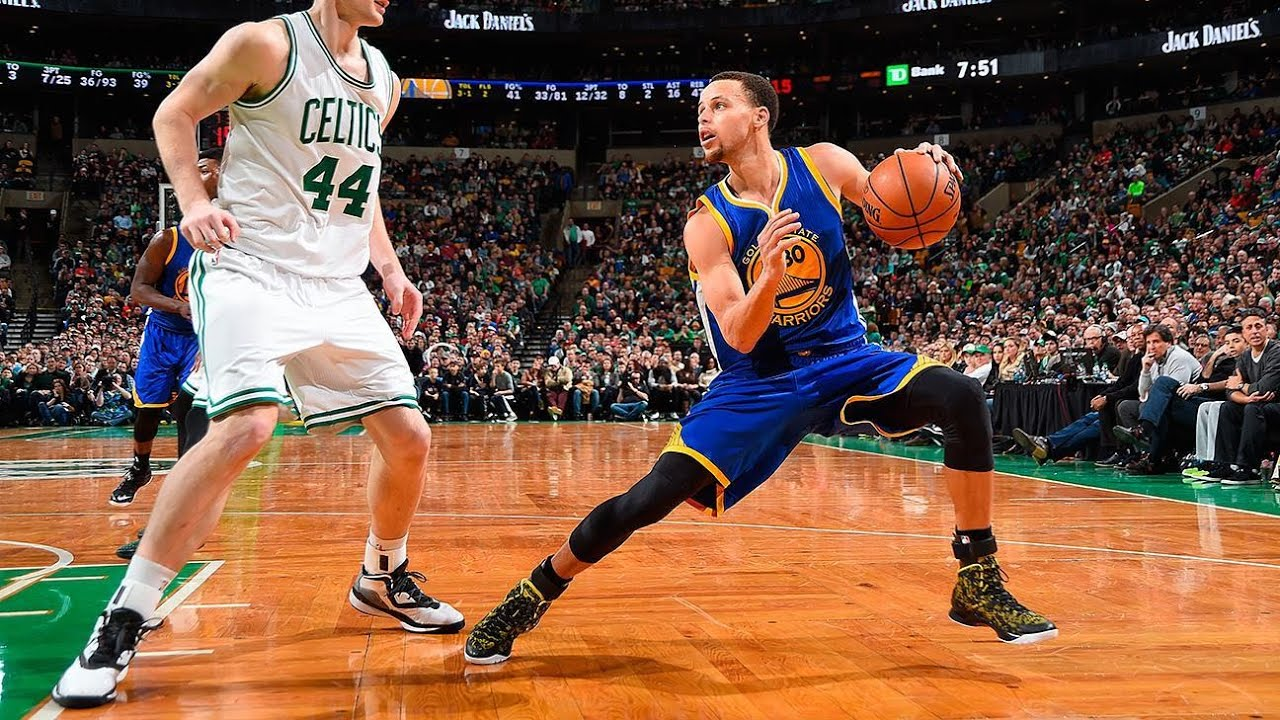 5 Plays That Prove Steph Curry Isnt Human