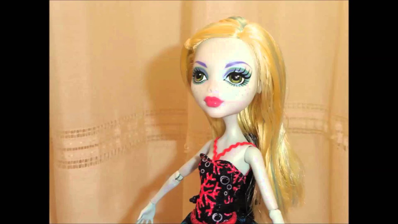 Keep on dancing barbie in the pink shoes Monster High stop motion music video