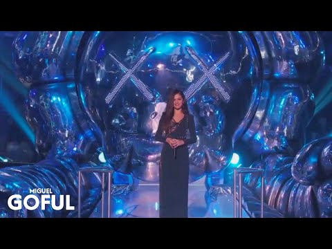 Selena Gomez - MTV VMA's 2013 Introduces Bruno Mars
