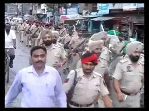 Punjab Police Showing Strength By Road March After High Alert at Dina Nagar - Pathankot