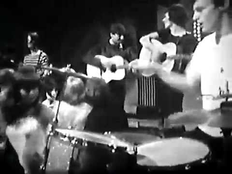 The Hollies - Bus Stop (Top Of The Pops - June 1966)