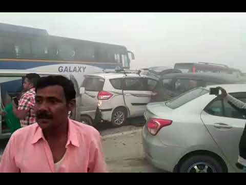 Massive Vehicle Collision on Yammuna Express Way - New Delhi