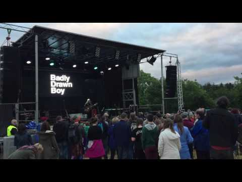 LIVE: Badly Drawn Boy: 'Pissing in the Wind' at Stendhal 2016