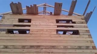 видео Материалы для строительства: деревянный брус или пенобетон?