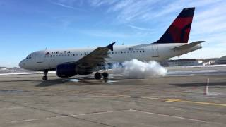 Video Delta Airbus A319 Cold Engine Start - Charleston, WV download MP3, 3GP, MP4, WEBM, AVI, FLV Januari 2018