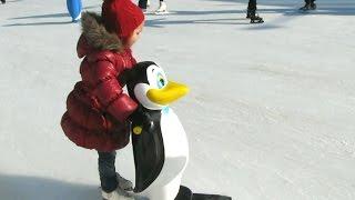 Ice City, каток в Одессе. Учимся кататься. Ice Rink in Odessa. Children learn to skate(Дети на катке в Аркадии, Одесса. Это ледовый клуб каток Ice club под открытым небом. Находится он в начале центра..., 2015-01-22T04:39:53.000Z)