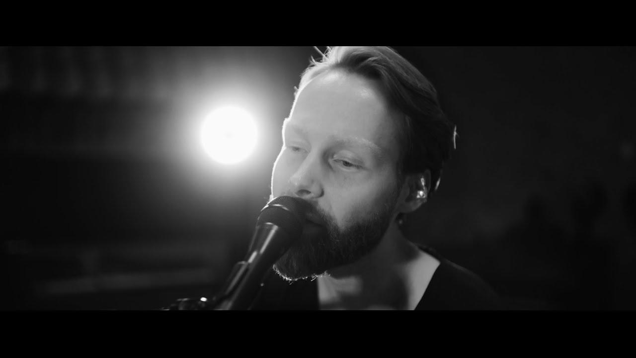 enno-bunger-neonlicht-live-akustisch-herzen-auf-links-ep-enno-bunger