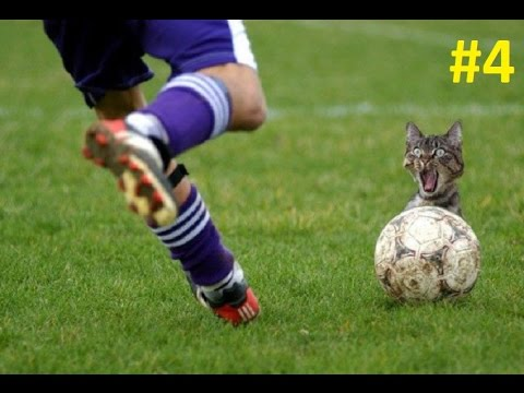 Creches #4 / Dani Alves vs Arturo Vidal