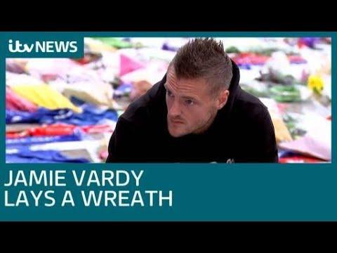 Jamie Vardy lays a wreath at Leicester City's King Power stadium| ITV News