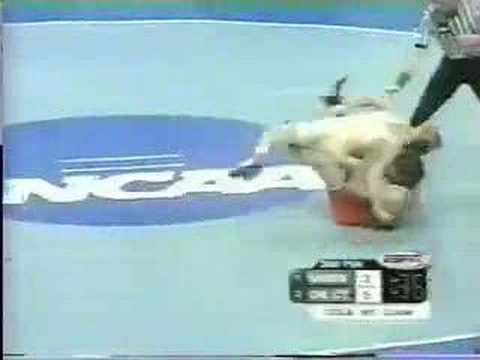 2002 NCAA: Johnny Thompson (Okla St) vs Ryan Lewis (Minn)