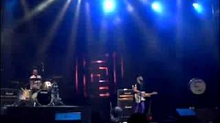The Ting Tings - Keep Your Head (Live @ Soulnation Festival 2009, Indonesia) | 30 Oktober 2009