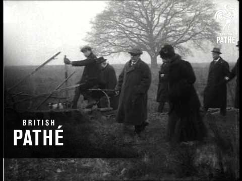 ploughing-up-the-parks-(1917)