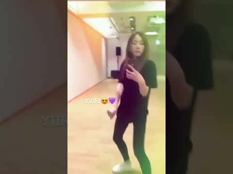 Taeyeon Dancing to Yuri's Into You!!! 😍😍😍😍🤤🤤🤤