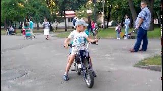 Крутые парни на крутом мотоцикле