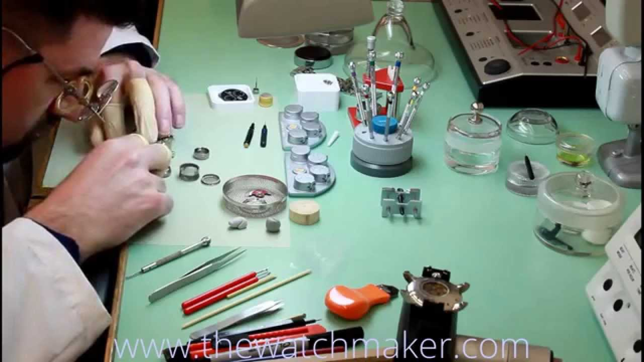 how to become a watchmaker