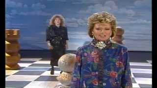 Elaine Paige & Barbara Dickson - I Know Him So Well 1985