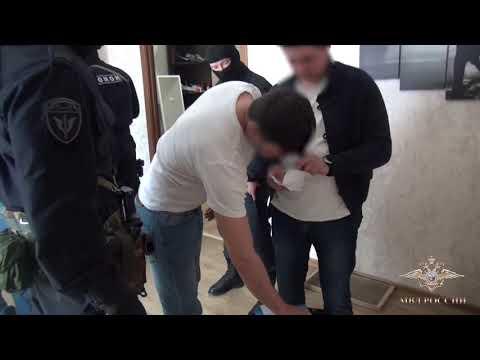 Правоохранители задерживают бизнесмена в центре Воронежа