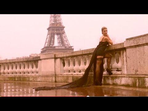 Boudoir Paris Eiffel Tower Photo Shoot with Tenley & The Boudoir Divas