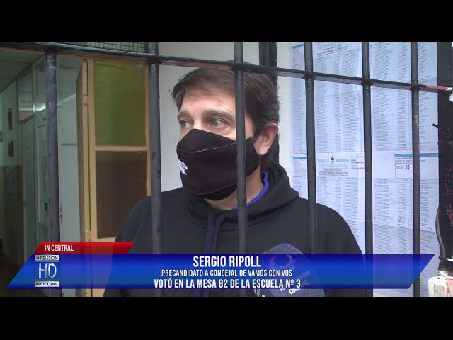 Sergio Ripoll Votó en la mesa 82 de la escuela 3