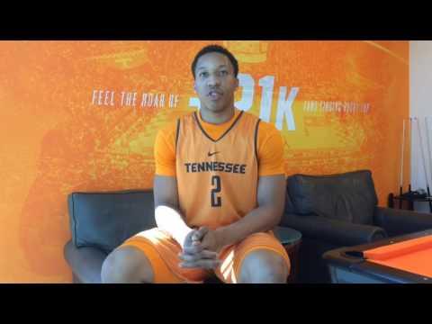 Q&A: Tennessee freshman forward Grant Williams