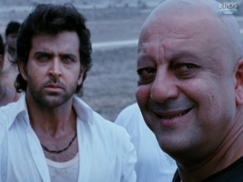 Hrithik goes back to his old house - Agneepath