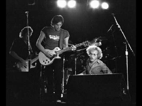 Simple Man,Simple Dream - Warren Zevon Live at WMMS studio 1976..wmv