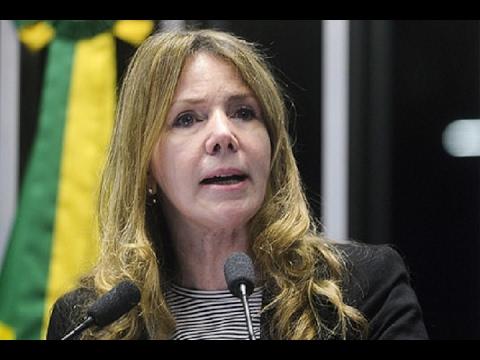 Para Vanessa Grazziotin, medidas adotadas pelo governo Temer estão 'afundando de vez o Brasil'