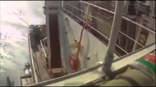 US Cargo Ship Surprises Somali Pirates With An Onslaught of Bullets
