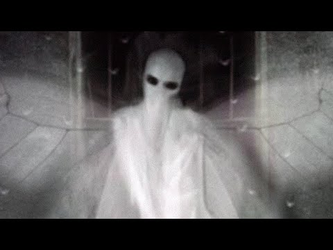 5 Creepy Sightings of Creatures that Might be Human