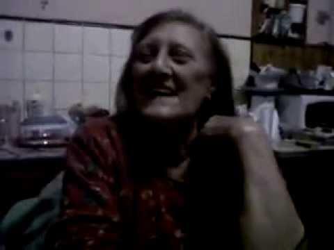 abuela cantante xxx