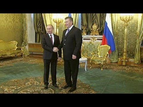 Ukraine president meets Putin in Moscow