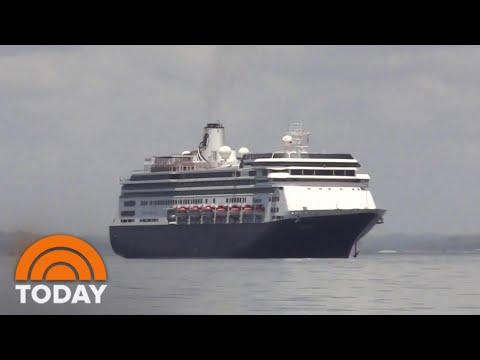 2 Cruise Ships