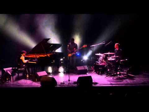 Tigran Hamasyan - The Grid (Le Trianon - Paris - March 3rd 2015)