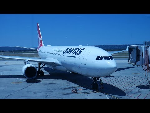 Qantas Perth to Sydney A330-200 Economy Class