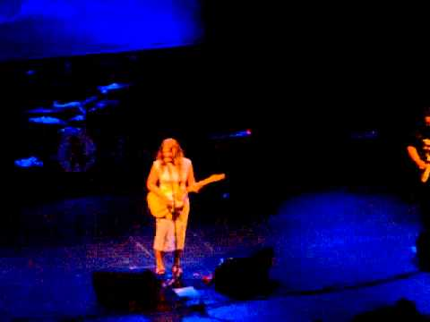 When the Sun Don't Shine/ No One Like You - Best Coast live @ The Wiltern 5/18/12