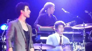 Demi Lovato & Joe Jonas - This Is Me (LIVE from front row!)