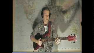 Bass play-along to my favorite version of Mr Pink by Level 42. The ...