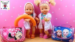 Preparo Mochilas de FROZEN y MINNIE de las Bebés NENUCO Hermanitas Traviesas para Clase de Natación