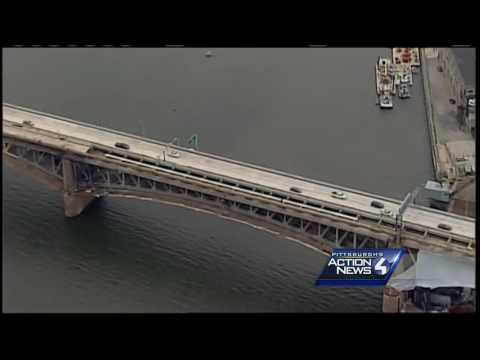 Liberty Bridge reopens; first cars go across