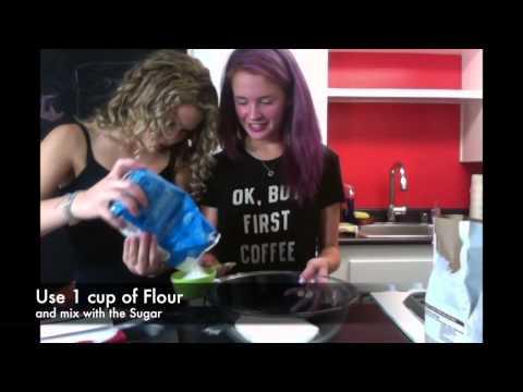 Sweet Treats with Bella & Sixx: Chocolate Cupcakes