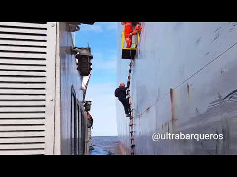 "Vehicles Carrier ""MICHIGAN HIGHWAY""/On board Pilot Boat ""COMETA""/Embark & Disembark Pilots ZonaComún"