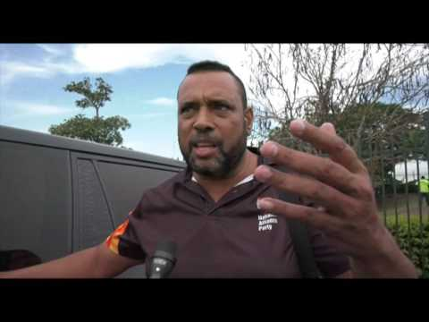 PNG AIRPORT SCUFFLE