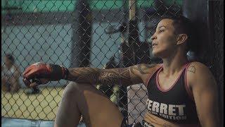 DAY FOX - lutadora profisional de MMA.