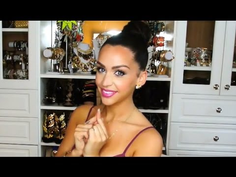 How To Get A Perfect Bun in UNDER 5 Minutes! Carli Bybel